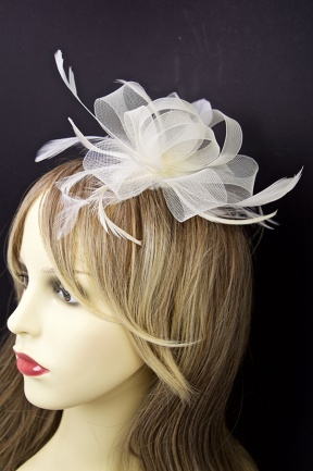 Cream Feather and Bow Fascinator